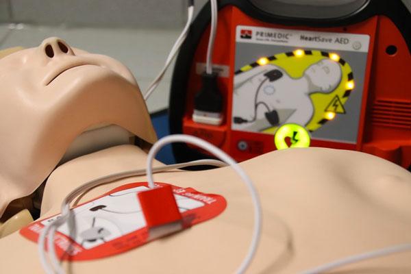 Corso primo soccorso - manichino per simulazione intervento di soccorso